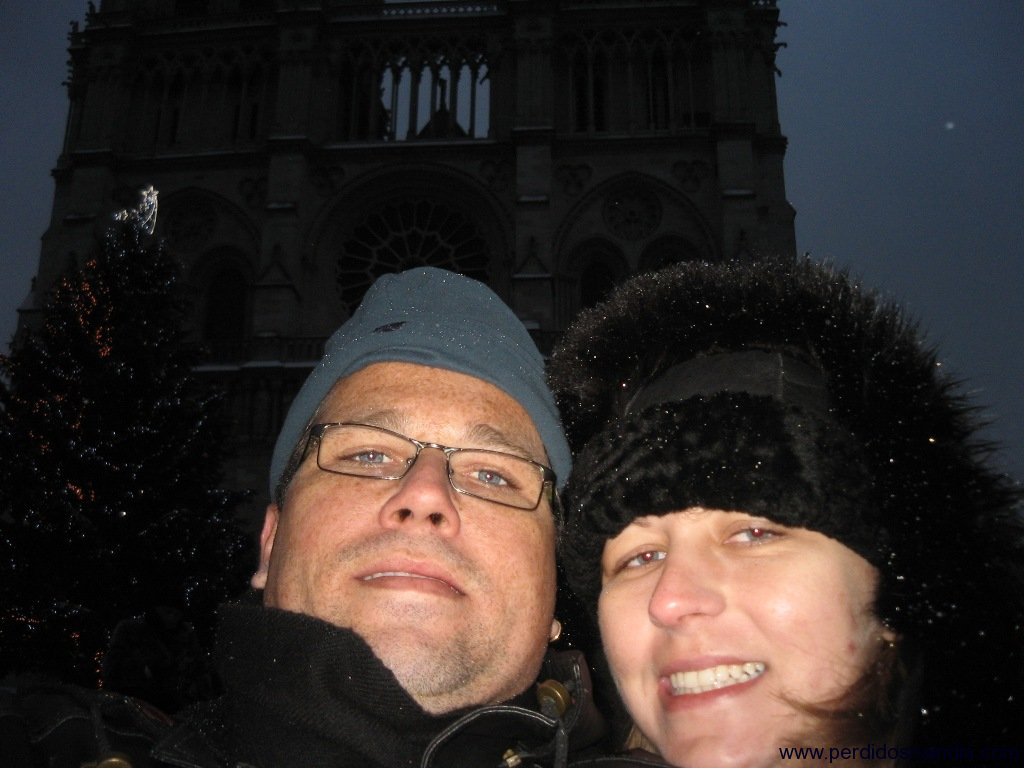 Self-picture na frente da Catedral Notre Dame