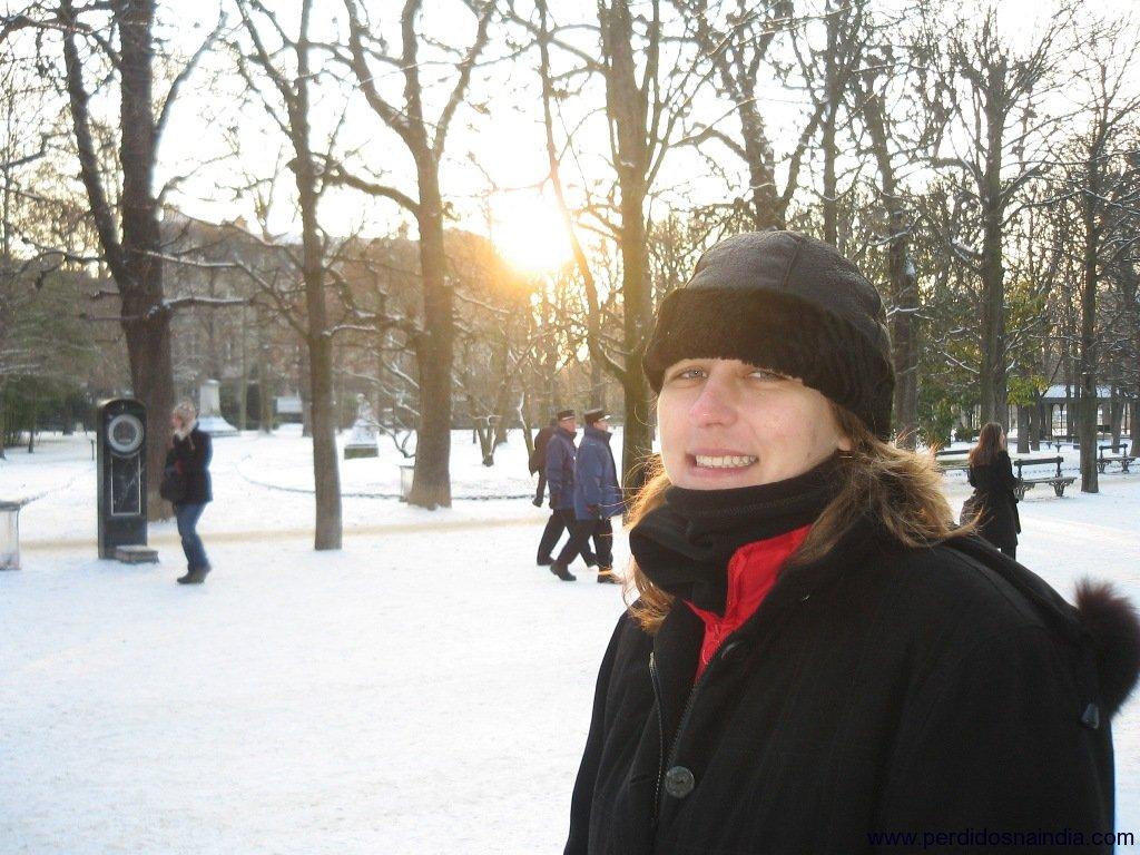 Carol no Jardim de Luxemburgo