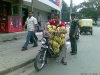 Jeito inteligente de carregar bananas
