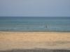 O que é um ponto branco no Mar arábico? É o Chico!