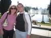 Eu e a Carol na frente do jardim do Museu do Ipiranga